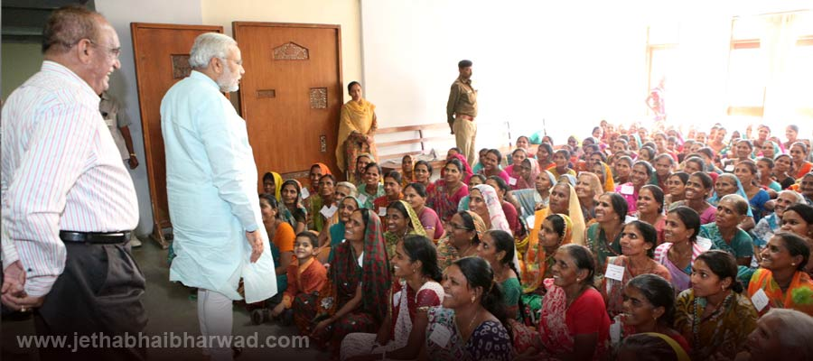 Under-Women-Educational-Training-Programme-the-women-viewed-assembly-proceedings-receieved-guidance-from-CM-3