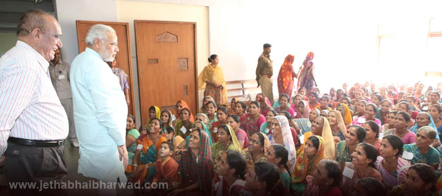 Under-Women-Educational-Training-Programme-the-women-viewed-assembly-proceedings-receieved-guidance-from-CM-5