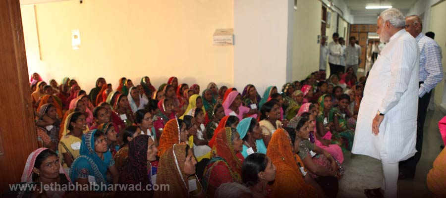Under-Women-Educational-Training-Programme-the-women-viewed-assembly-proceedings-receieved-guidance-from-CM-6