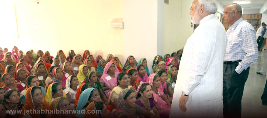 Under-Women-Educational-Training-Programme-the-women-viewed-assembly-proceedings-receieved-guidance-from-CM-7